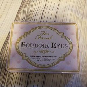 Too faced Boudoir Eyes Palette